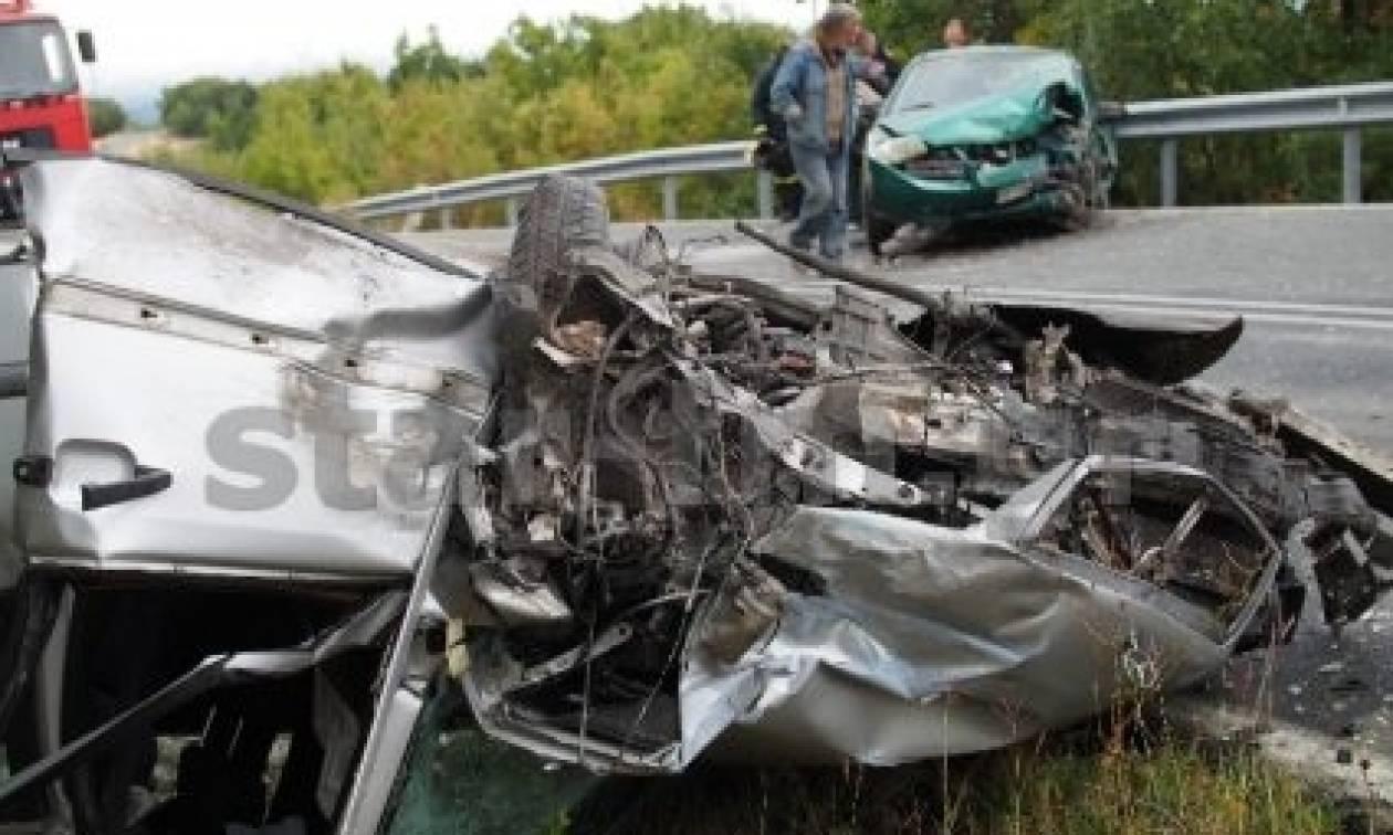 Σοβαρό τροχαίο με ανατροπή - Διαλύθηκαν τα αυτοκίνητα