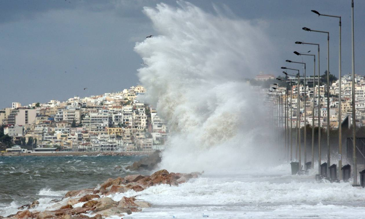 ΤΩΡΑ: Ισχυροί άνεμοι στην Αττική – Ο καιρός το Σαββατοκύριακο