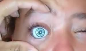 Ανατριχιαστικό! Γνωστό μοντέλο έκανε τατουάζ μέσα στο μάτι της και τώρα κινδυνεύει να...