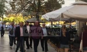 Οι βόλτες του Καραμανλή στην Κέρκυρα και το γκολφ (pics)