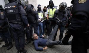 Καταλονία: Πνίγηκε στο αίμα το δημοψήφισμα – Πρωτόγνωρες σκηνές αστυνομικής βίας με 844 τραυματίες