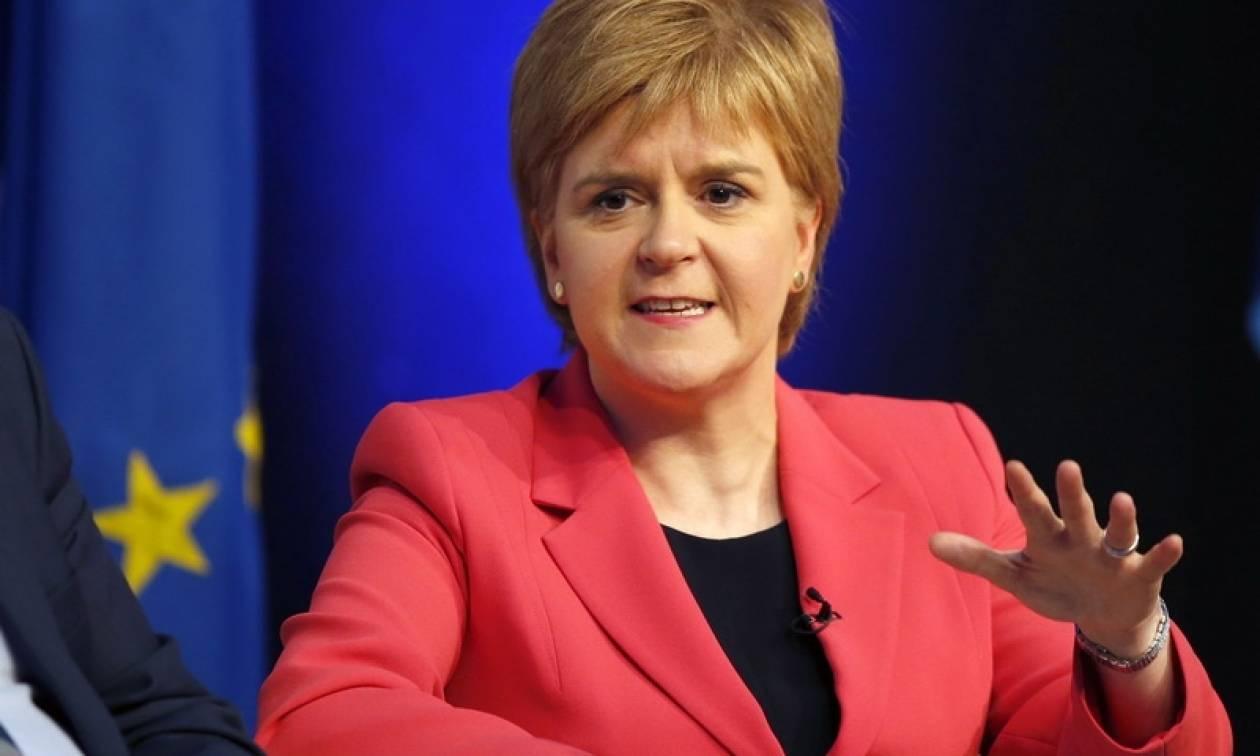 Η σκωτσέζα πρωθυπουργός καλεί την Ισπανία να «αλλάξει πορεία»