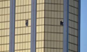 Μακελειό Λας Βέγκας: Η στιγμή που η αστυνομία εισβάλλει στο δωμάτιο του μακελάρη