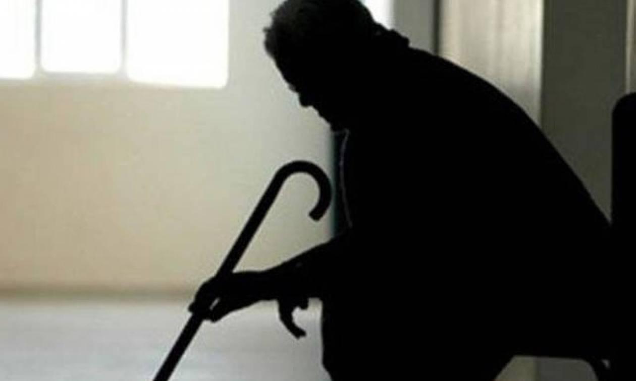 Ακράτα: Ηλικιωμένη έζησε τον εφιάλτη– Την έδεσαν με υφάσματα και έκλεψαν 10.000 ευρώ