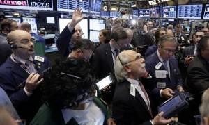 Σπάνε κάθε ρεκόρ οι δείκτες της Wall Street
