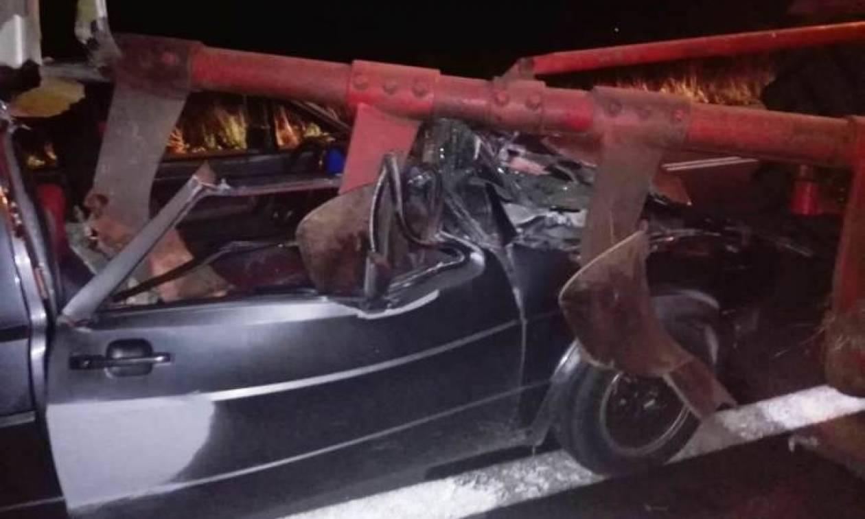 Σφοδρό τροχαίο: Αυτοκίνητο συγκρούστηκε με τρακτέρ - Δείτε εικόνες