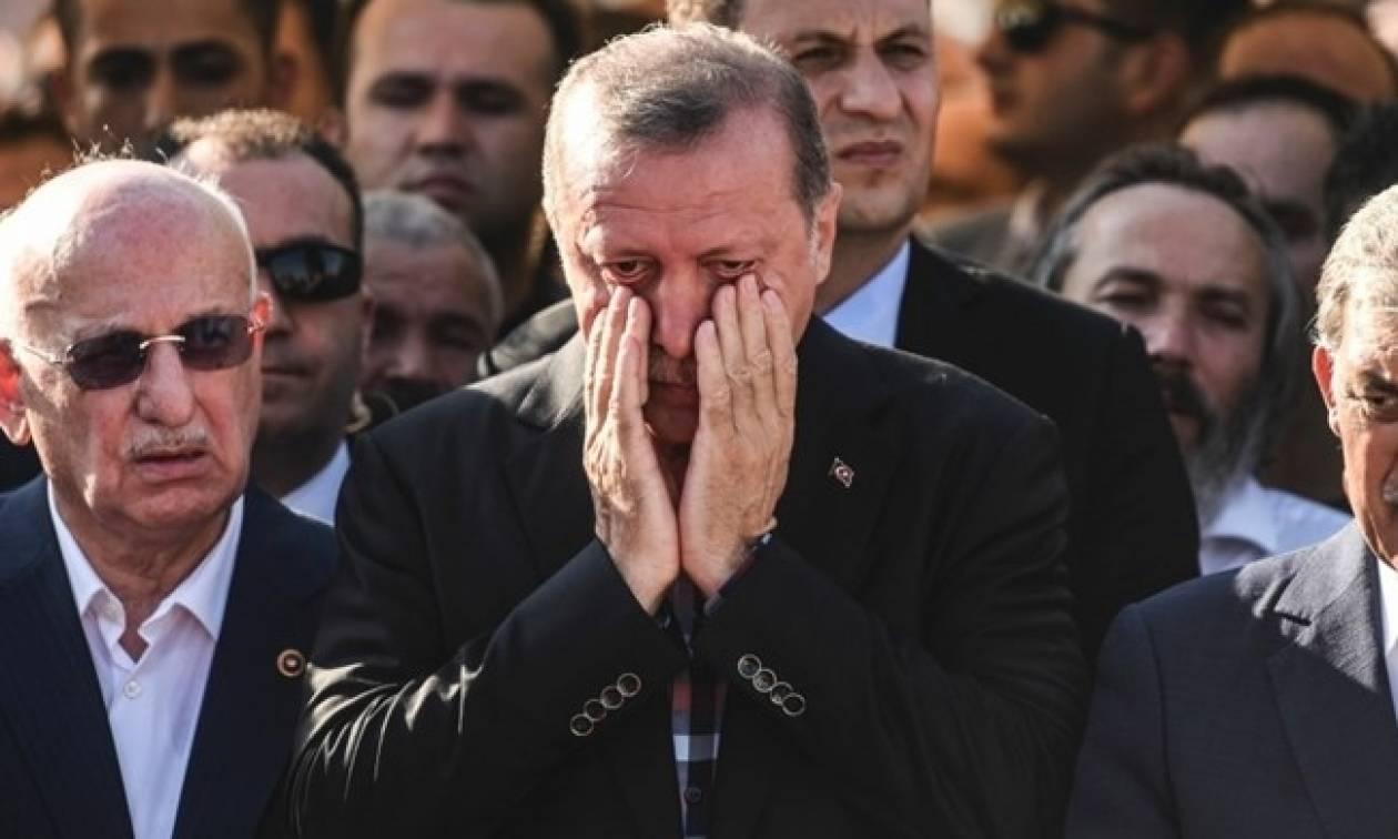 Πραξικόπημα Τουρκία: Ισόβια σε 40 στρατιωτικούς για απόπειρα δολοφονίας του Ερντογάν (Vid)