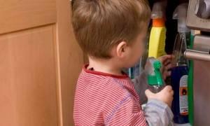 Φθιώτιδα: Στο νοσοκομείο τρίχρονο αγοράκι που κατάπιε νέφτι
