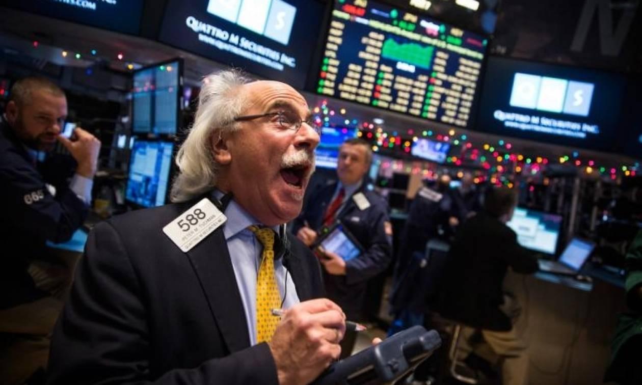 Wall Street: Από ρεκόρ σε ρεκόρ οι δείκτες
