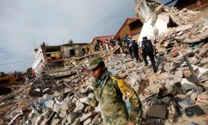 Σεισμός Μεξικό: Ακόμα ανασύρουν νεκρούς από τα συντρίμμια!
