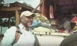 Nomads: Θα κλαίτε από τα γέλια με τα αγγλικά του Αρναούτογλου στην τοπική αγορά του Palawan
