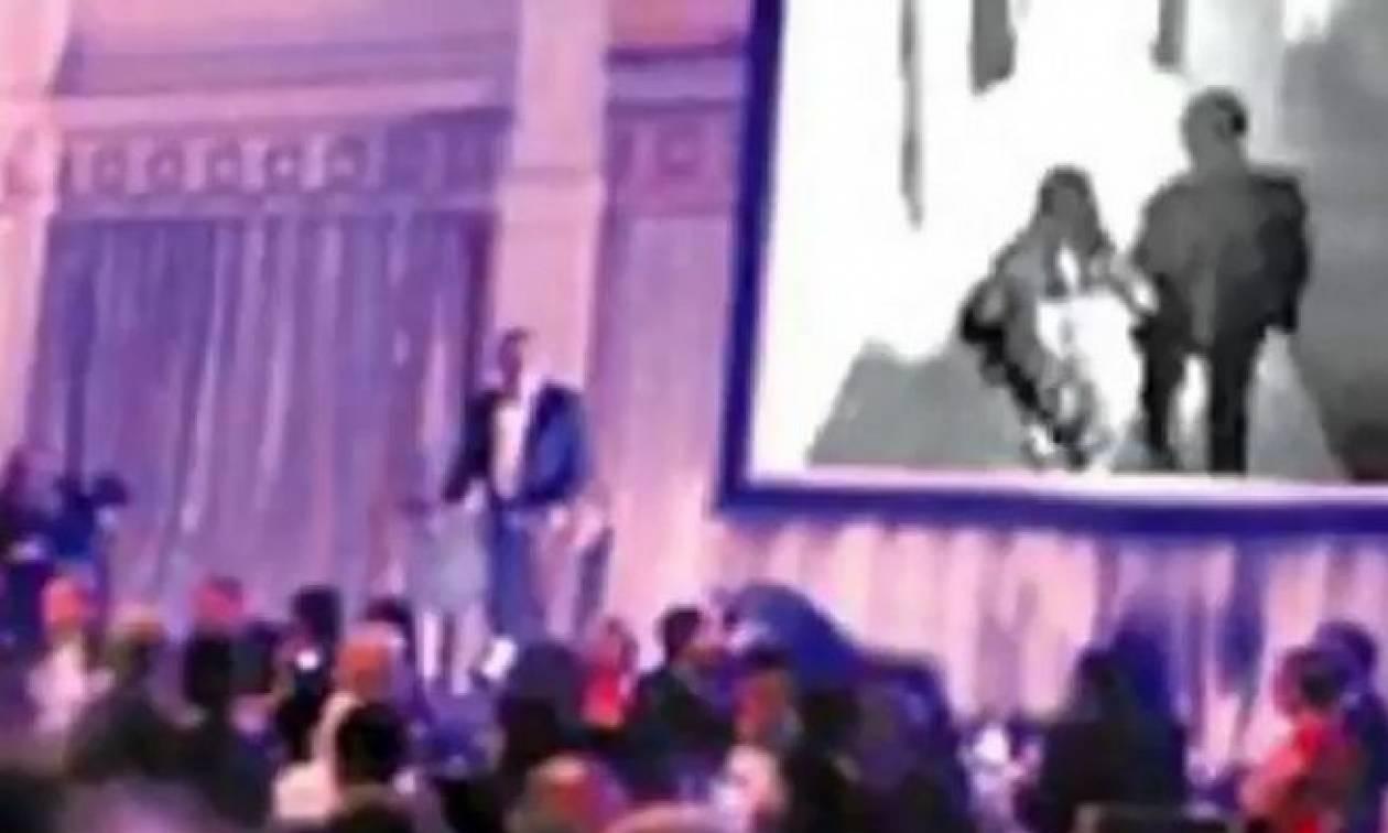Σάλος σε γάμο - Ο γαμπρός έδειξε σε όλους τους καλεσμένους βίντεο με τη νύφη να τον απατά!
