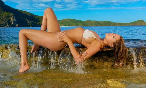 Η Kate Upton έφερε ξανά το καλοκαίρι! (vid+pics)
