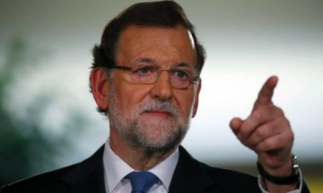 «Σκληραίνει» τη στάση του ο Ραχόι: Δεν αποκλείει αναστολή της αυτονομίας της Καταλονίας