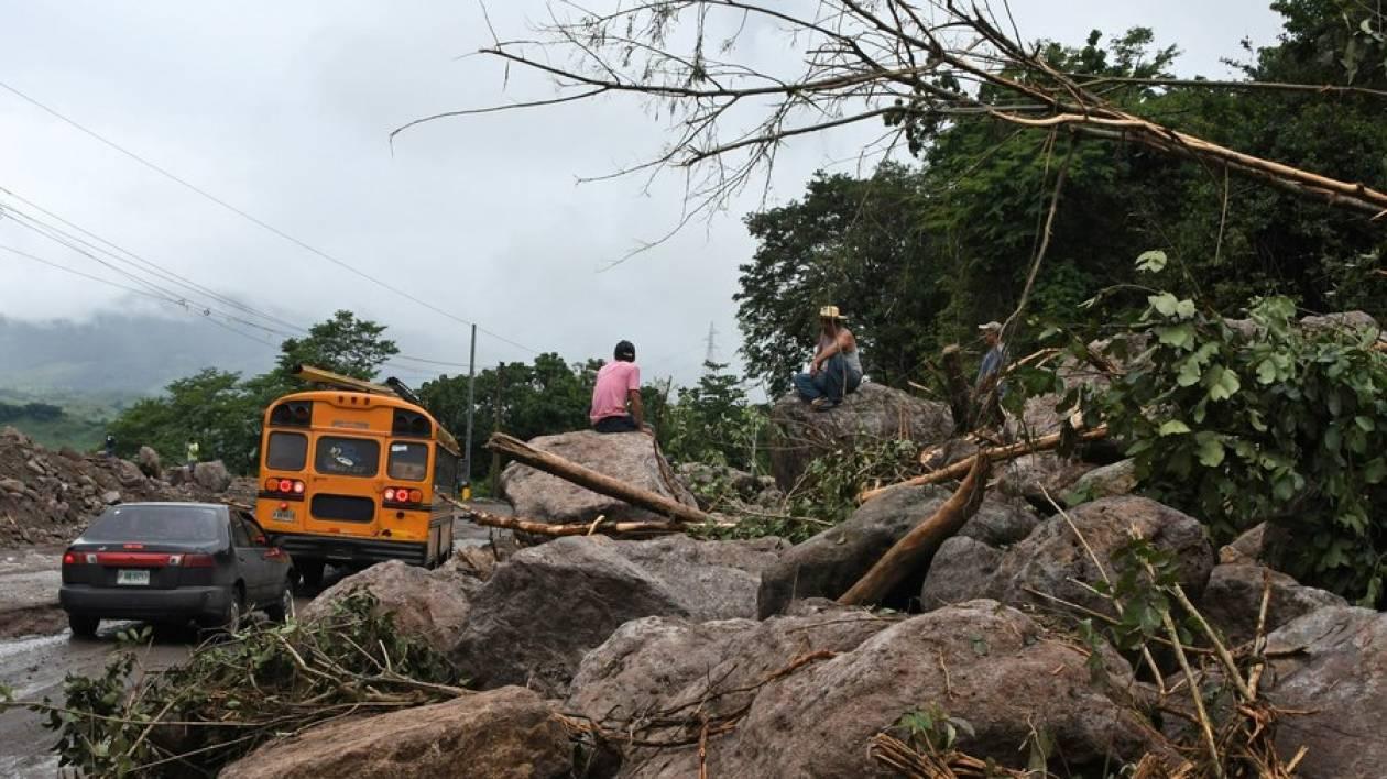 ΗΠΑ: «Συναγερμός» στη Λουιζιάνα  - Έφθασε στις αμερικανικές ακτές ο τυφώνας Νέιτ