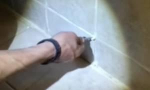 Πιερία: Ο τοίχος έκρυβε… εκπλήξεις – Έβγαλαν τα πλακάκια και έπαθαν σοκ! (vid+pic)