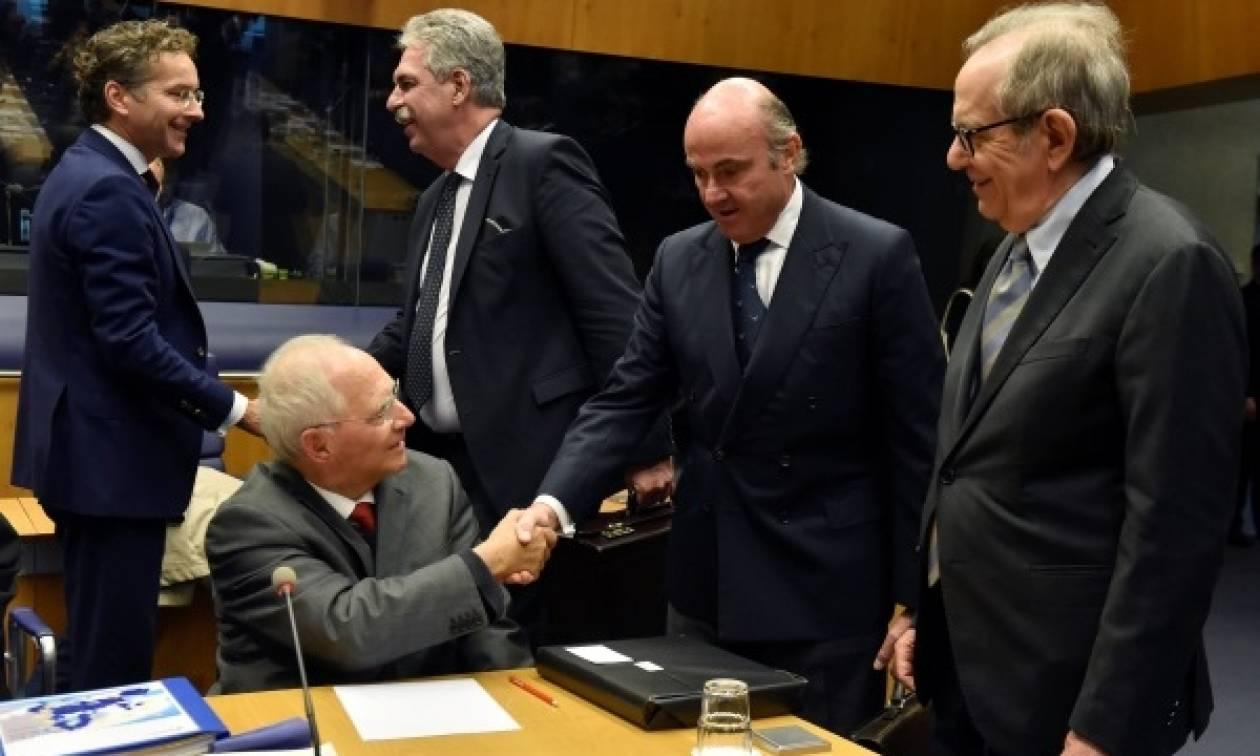 Ο θερμός αποχαιρετισμός του Eurogoup στον Σόιμπλε: Τύπωσαν μέχρι και χαρτονόμισμα με το πρόσωπο του