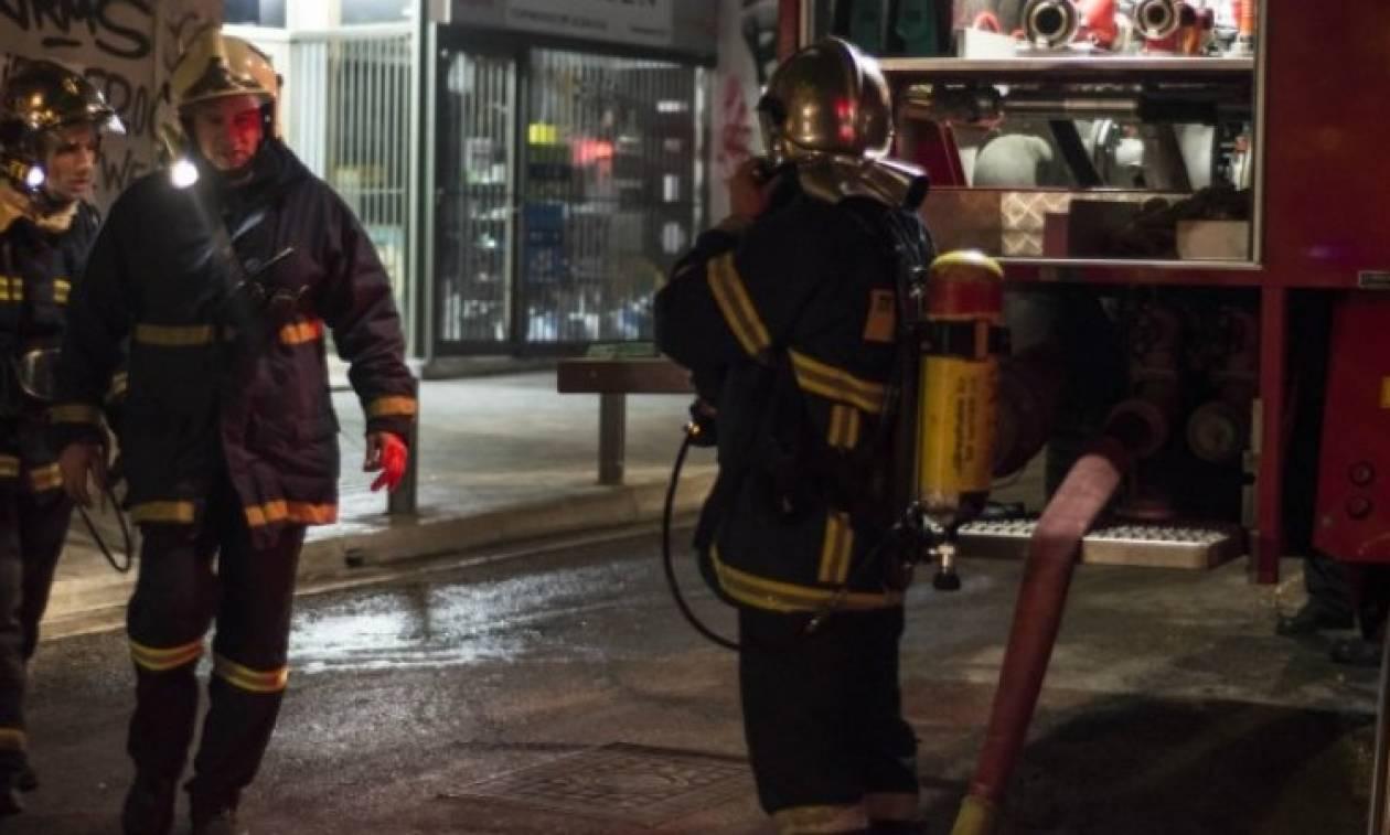Αυτός είναι ο άνδρας που έβαλε φωτιά στην Εφορία Γλυφάδας