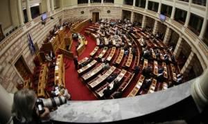 Νομοσχέδιο για αλλαγή φύλου: Πολιτικό «θρίλερ» στη Βουλή – Στα όρια του κοινοβουλευτικού φιάσκου