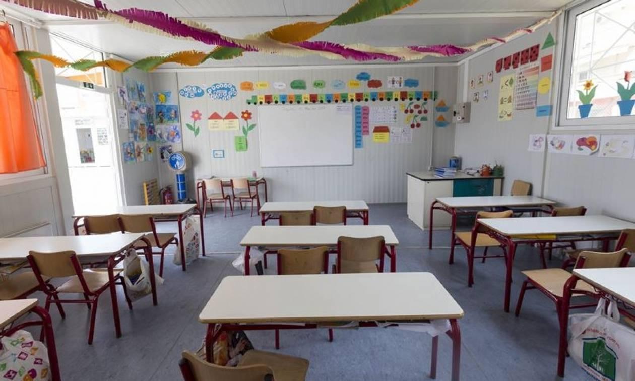 Στην... εντατική η Παιδεία: Υπολειτουργούν τα ολοήμερα - 6.000 τα κενά των εκπαιδευτικών