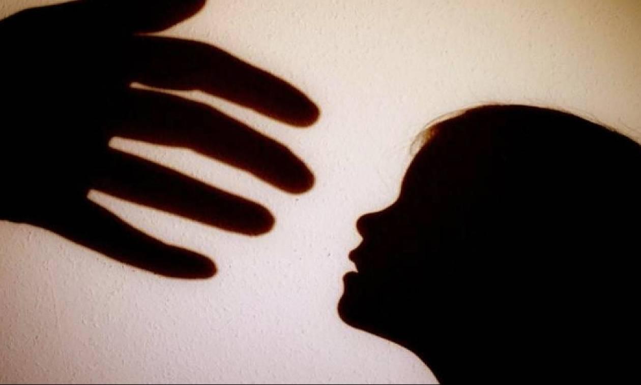 Νέα συγκλονιστικά στοιχεία για την υπόθεση της 4χρονης που εμφανίζεται να κακοποιείται σε βίντεο