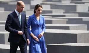 Kate Middleton is...back: Η πρώτη της εμφάνιση με φουσκωμένη κοιλιά είναι πλέον γεγονός