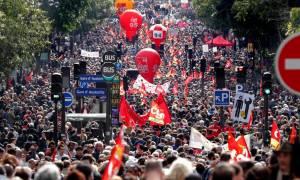 Γαλλία: Στα «κάγκελα» οι εργαζόμενοι – Περισσότεροι από 400.000 διαδηλωτές στους δρόμους