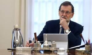Ο Ραχόι απειλεί την Καταλονία με το άρθρο 155: «Κηρύξατε ή όχι ανεξαρτησία;»