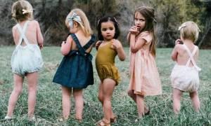 Τα κορίτσια υψώνουν τις φωνές τους και παλεύουν για τα δικαιώματα και την προστασία τους (vid)
