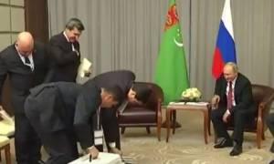 Το απρόσμενο δώρο γενεθλίων στον Πούτιν! (vid)