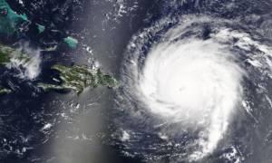 Η «Οφηλία» μετατράπηκε σε κυκλώνα - Κατευθύνεται στην Ευρώπη! (pic)