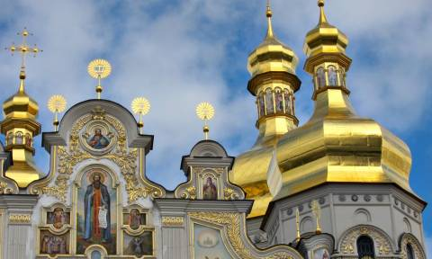 Россияне стали больше доверять силовикам и меньше - церкви и правительству