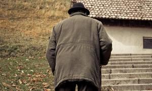 Συγκλονίζει ηλικιωμένος στην Κρήτη: Ήπιε χλωρίνη γιατί πέθανε η γυναίκα του