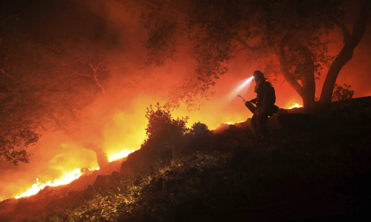 Πύρινος όλεθρος στην Καλιφόρνια: 31 νεκροί, εκατοντάδες αγνοούμενοι (pics)