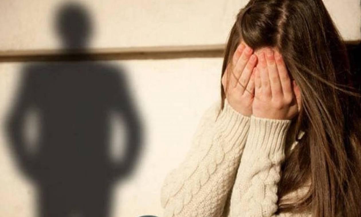 Ντροπή: Ποινή φυλάκισης 4 μήνών σε διευθυντή τράπεζας που παρενοχλούσε ανήλικες!