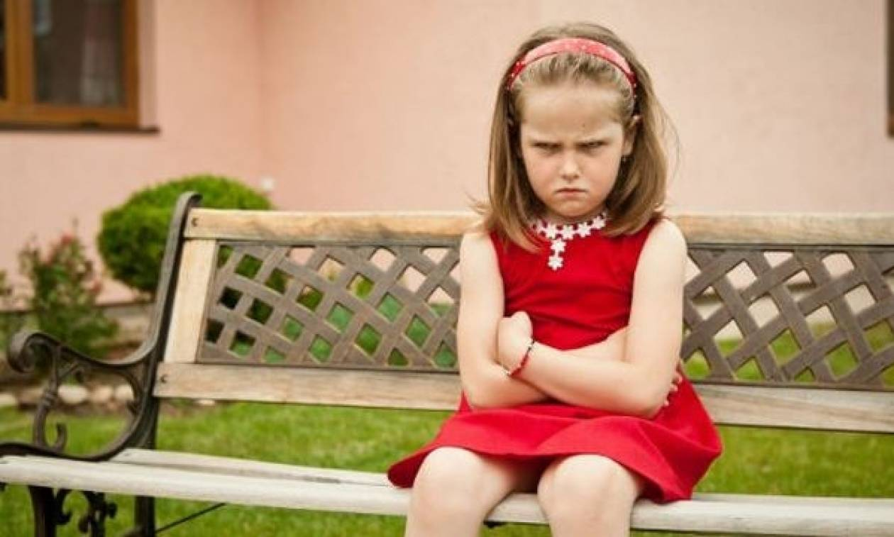 Πώς ηρεμείς ένα θυμωμένο παιδί; Οι οχτώ φράσεις που θα σε βοηθήσουν