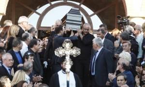 Κηδεία Ζαφειρόπουλου – Ήταν όλοι εκεί: Φωτογραφίες από το «τελευταίο αντίο»