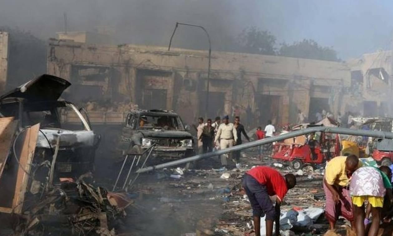 «Λουτρό» αίματος στη Σομαλία: Παγιδευμένο αυτοκίνητο σκόρπισε τον θάνατο