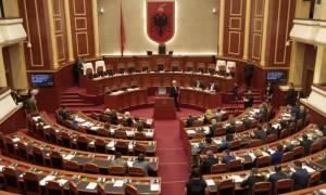 Αλβανία: Εγκρίθηκε ο νόμος περί προστασίας των δικαιωμάτων των εθνικών μειονοτήτων