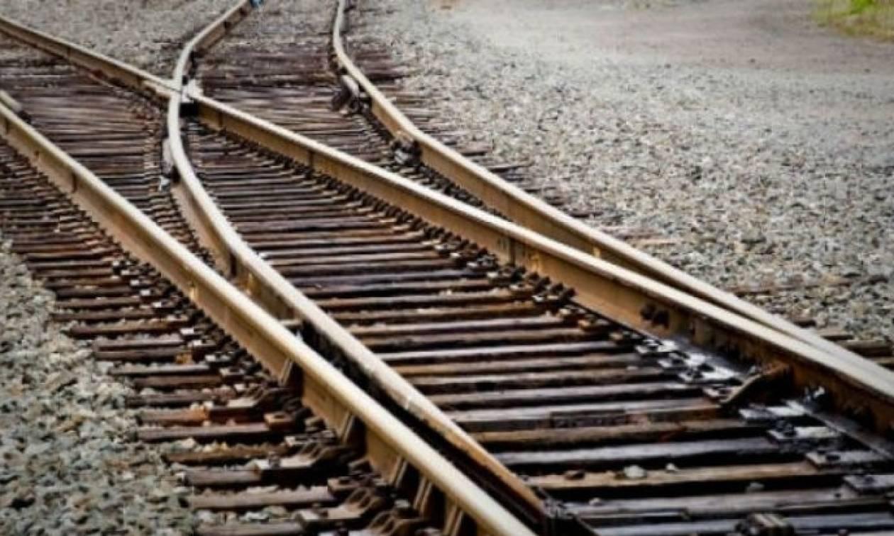 Λάρισα: Χαροπαλεύει 25χρονος – Εντοπίστηκε στις γραμμές τρένου με εγκαύματα στο σώμα του