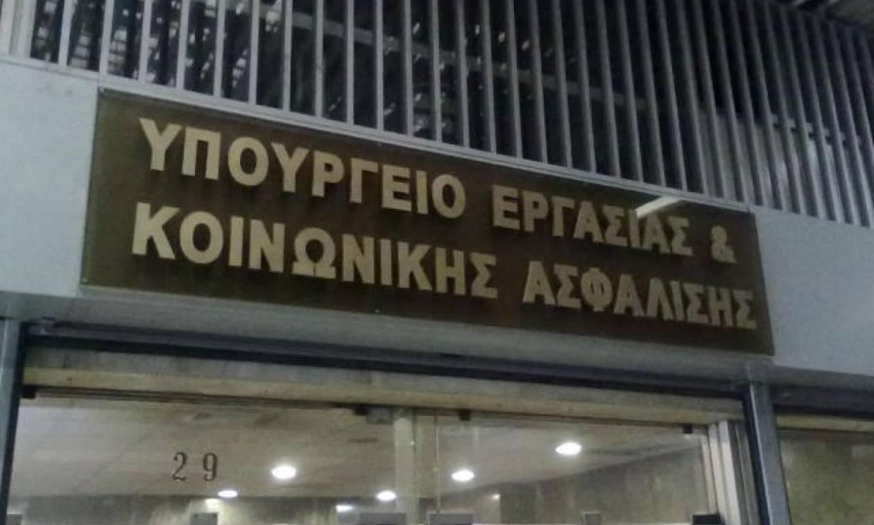 Υπ. Εργασίας: «Η επιτάχυνση της απονομής των συντάξεων προκαλεί πανικό στη ΝΔ»