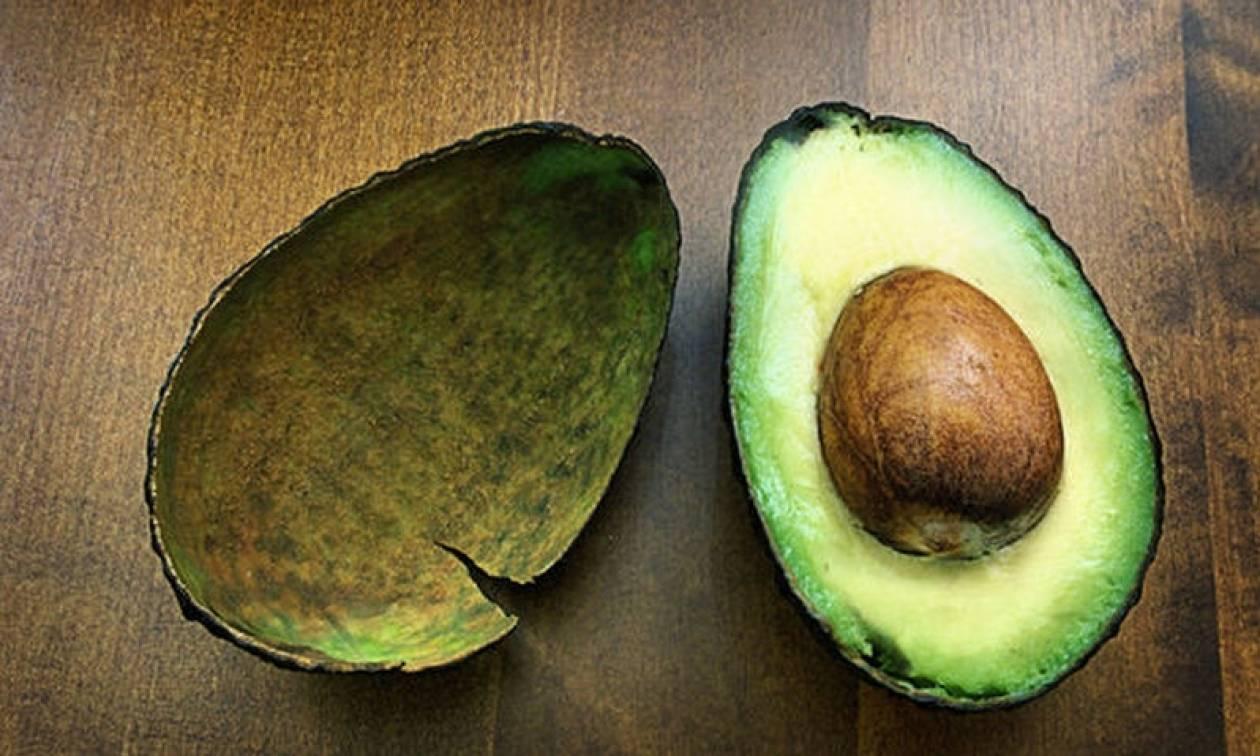 Αβοκάντο: Τρεις λόγοι που η κατανάλωσή του ωφελεί την υγεία της καρδιάς