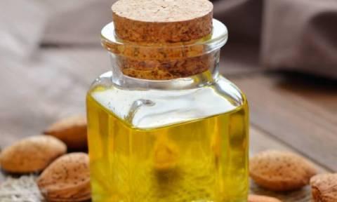 Αμυγδαλέλαιο: Τέσσερις φυσικές συνταγές για κάθε beauty ανάγκη σου