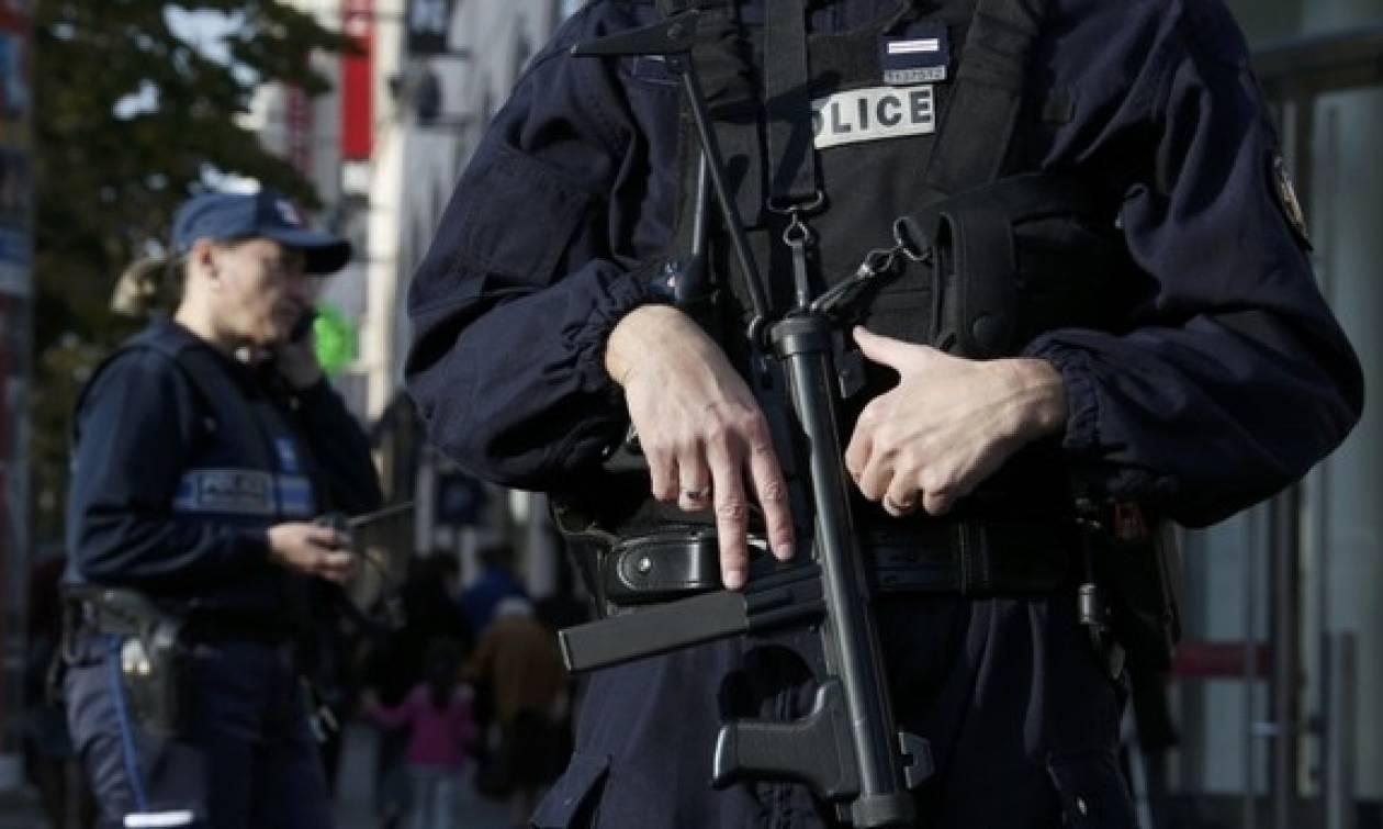 Συναγερμός στη Γαλλία: Δέκα συλλήψεις υπόπτων για επιθέσεις σε πολιτικούς
