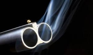 Αναστάτωση στην Πύλο: Του έκοψαν το ρεύμα και άρχισε να πυροβολεί στον αέρα