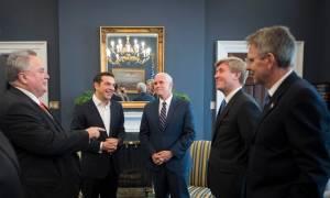 Άμυνα, ενέργεια και εμπορικές συναλλαγές στην ατζέντα της συνάντησης Τσίπρα - Πενς