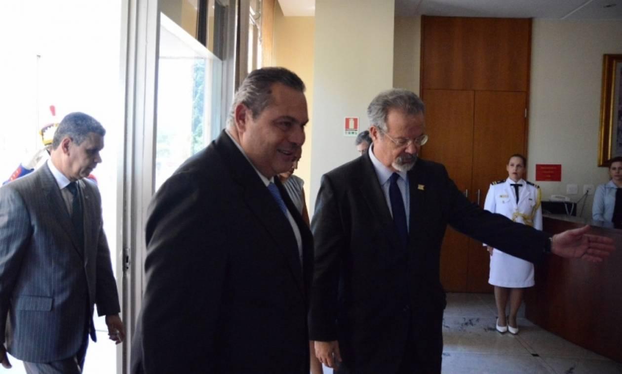 ΠΑΣΟΚ: Ο Πάνος Καμμένος «θολώνει τα νερά» - Ερωτήματα για τη συμφωνία με τα F-16
