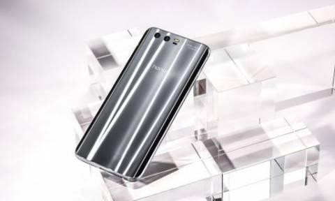 Αυτό είναι το κινητό που έχει… τιμή (και δεν εννοούμε χρήματα!)