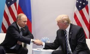 «Ύμνοι» Πούτιν για Τραμπ: Θα πρέπει να τον σέβονται, δεν χρειάζεται συμβουλές