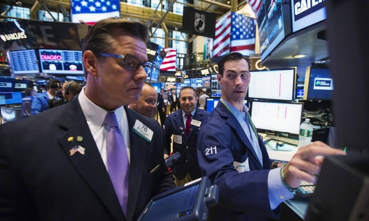 Με μικτές τάσεις και νέα ρεκόρ έκλεισε η Wall Street